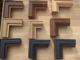 Wood picture frames in alder and oak, painted or natural. Any size